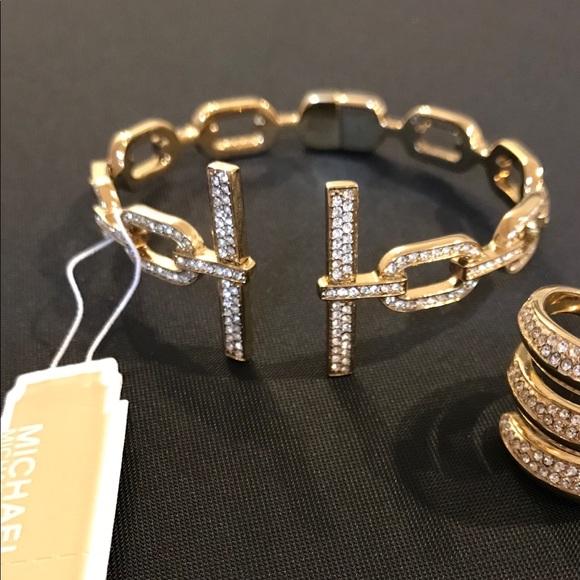 Michael Kors Jewelry - Micheal Kors links cuff bangle